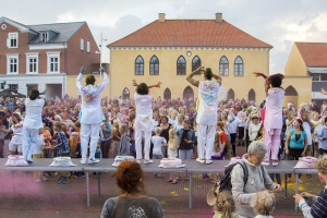 """Artonik"" - ""The Color of Time"". Slotstorvet Vordingborg, 28. august 2015 Waves Festival 2015"