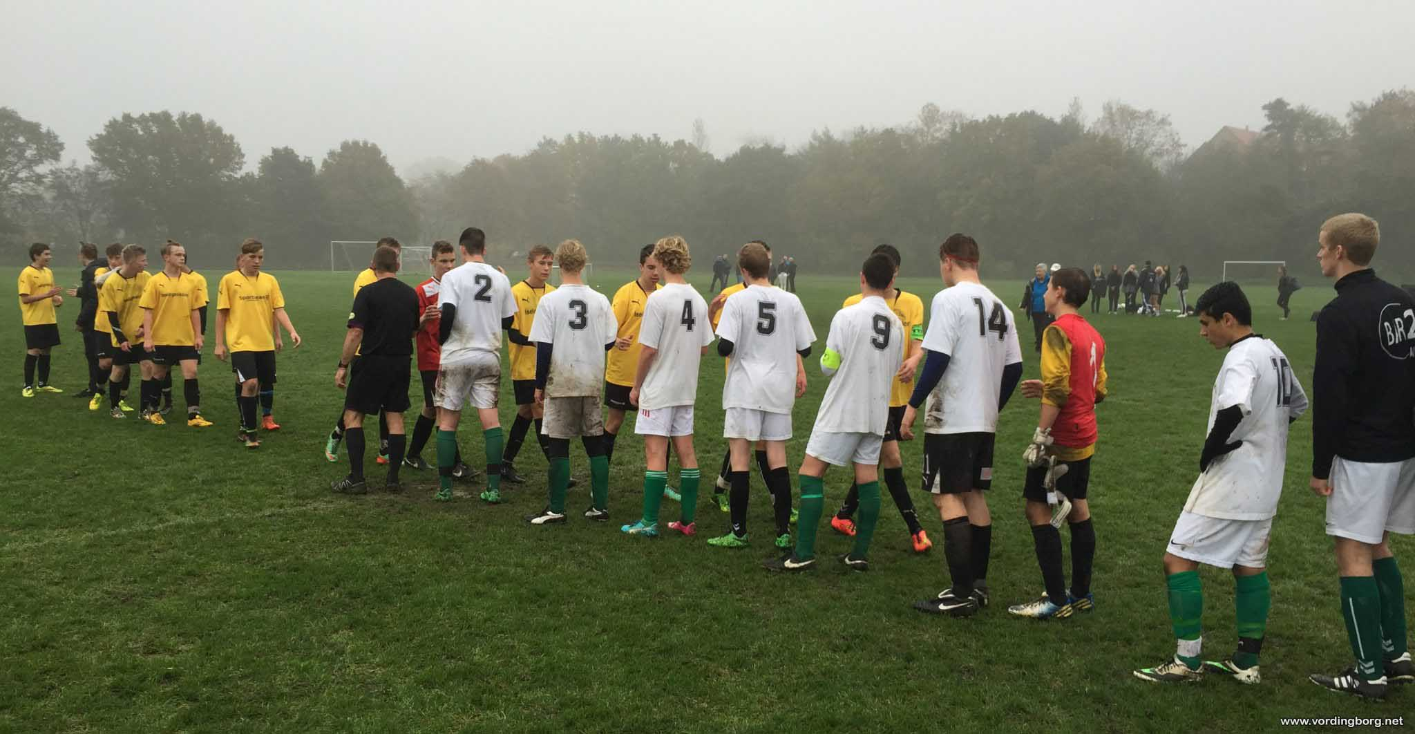 Fodbold: Skolefodbold med hattrick og drama