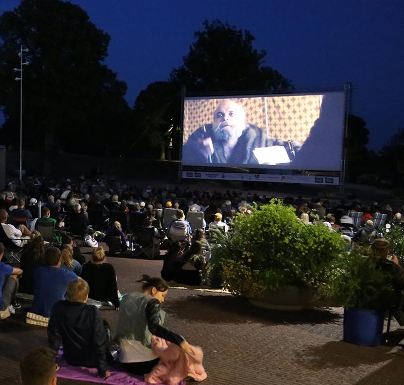 Flere film under åben himmel
