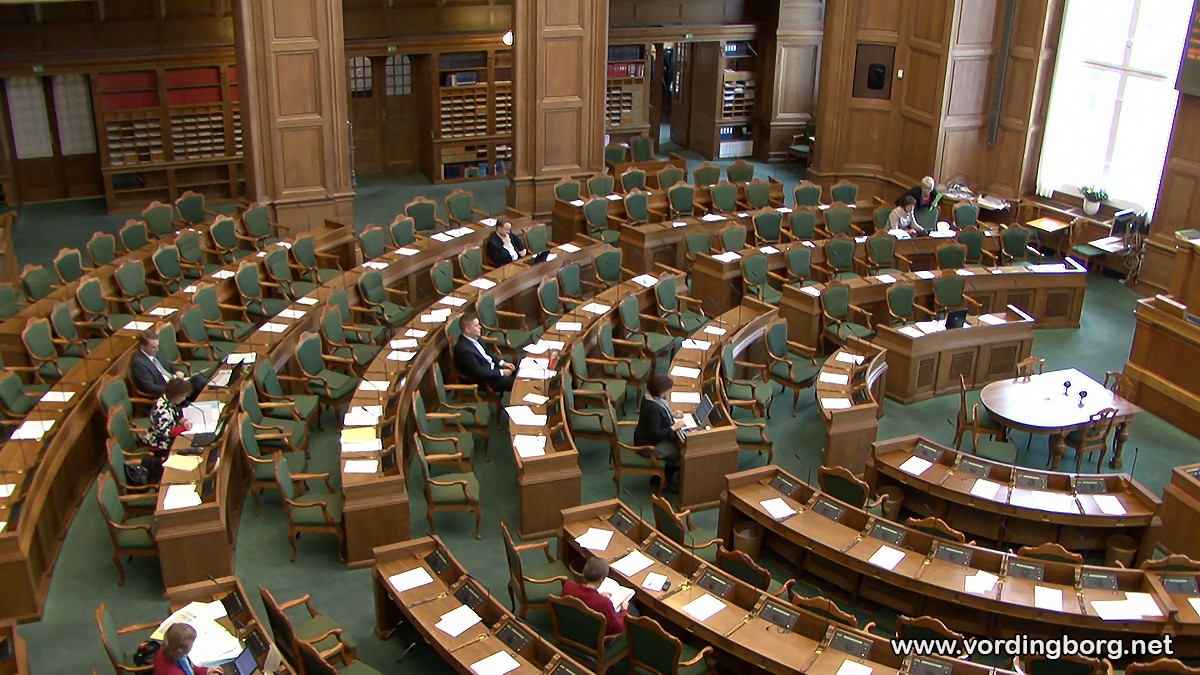Se direkte Tv fra behandling af årets finanslov om bl.a. Lindholm her