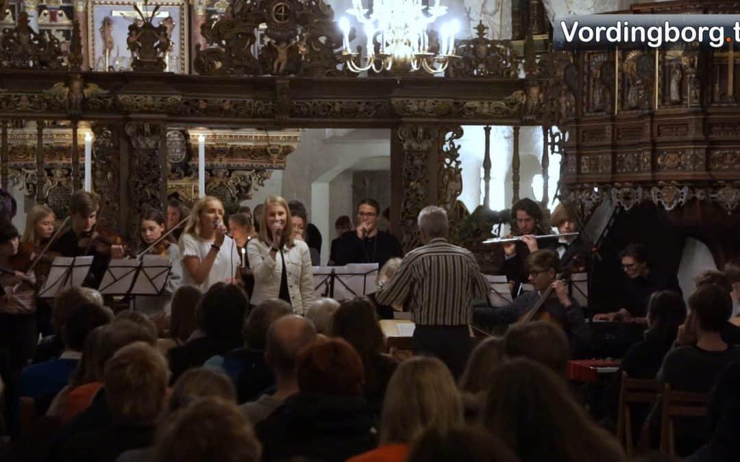 Se stemningsfuld video fra julekoncert i Vordingborg Kirke