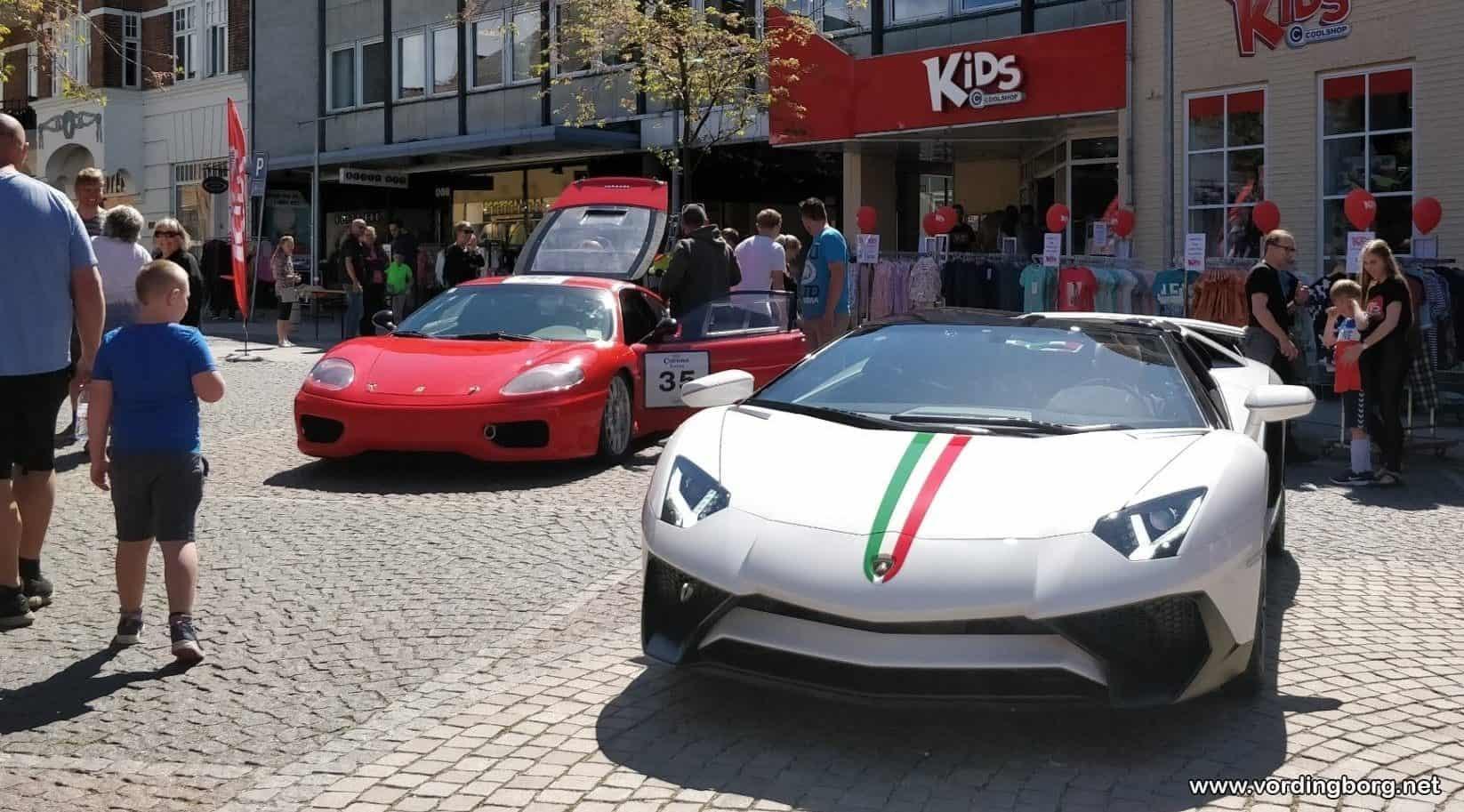 Seje biler i Algade