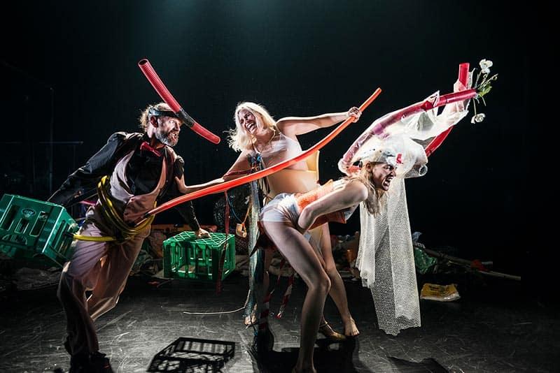 Få en teateroplevelse med en af årets mest originale og helstøbte forestillinger