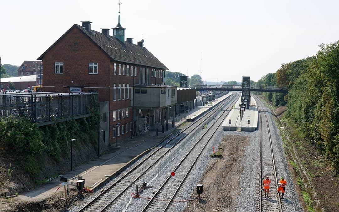 Så kører toget snart igen – Transportministeren i  Vordingborg lørdag for at markere ny jernbane