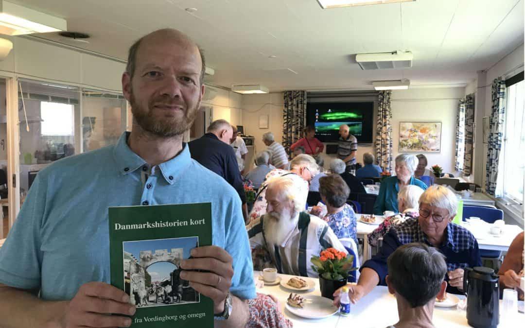 Ny bog skal gøre den lokale historie letlæselig