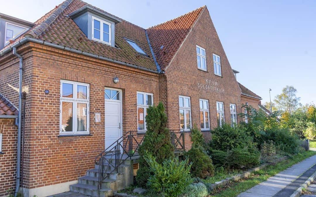 Soldaterhjemmet i Vordingborg åbner for byens borgere og inviterer indenfor til fællesspisning