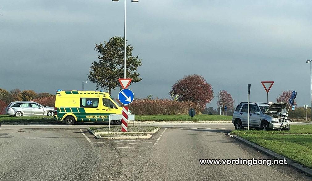 Færdselsuheld i rundkørslen Brovejen, Mønvej og Københavnsvej