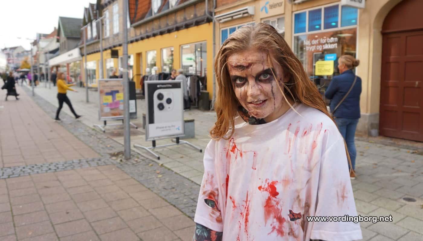 """""""Virusangreb"""" forvandlede Algade til zombiezone"""