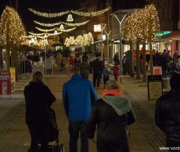 شجرة عيد الميلاد وإضاءة الشوارع الجديدة في Vordingborg 28 نوفمبر 2014